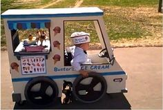Dad turns wheelchair into Halloween costume.