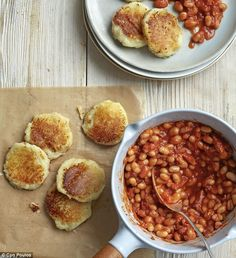 Gordon Ramsay's Home cooking - Home-made baked beans with potato cakes