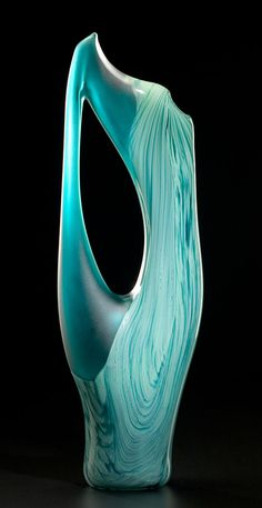 Vilano in jade color by Bernard Katz Glass. Hand blown contemporary art glass sculptural design. #bernardkatz #handblown #sculpture