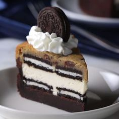 5 layer cookie brownie cheesecake would not use Oreos though - Vegetarian Recipes Just Desserts, Delicious Desserts, Dessert Recipes, Yummy Food, Tasty Snacks, Layered Desserts, Healthy Desserts, Healthy Recipes, Yummy Treats