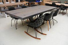 Stoere industriele tafel van eikenhout #boomstamtafel #eikentafel #tafelopmaat #leveninstijl