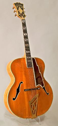 Guitar by John D'Angelico, New York, 1947. New Yorker (18″). Ledger number 1744. www.vintageandrare.com
