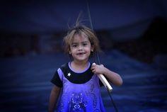 Irak se debate en una tremenda guerra intestina mientras niños, mujeres y ancianos abandonan sus hogares y viven en campamentos de refugiados. Miles de personas que huyeron de sus casas en Mosul ante...