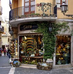 gorgeous corner shop in Taormina, Italy (Sicily)