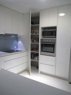 Kitchen Island Storage, Kitchen Pantry Cabinets, Kitchen Cabinet Remodel, Modern Kitchen Cabinets, Kitchen Cabinet Design, Interior Design Kitchen, Kitchen Furniture, Kitchen Modern, Pantry Design