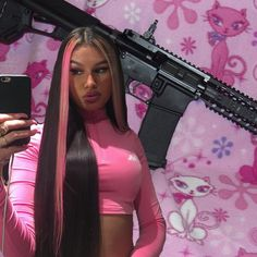 I was tryna find cute backgrounds but I guess this one describes my personality better💘😾😽🌸✨ Badass Aesthetic, Black Girl Aesthetic, Fille Gangsta, Thug Girl, Gangster Girl, Cute Backgrounds, Cute Hairstyles, Everyday Hairstyles, Weave Hairstyles