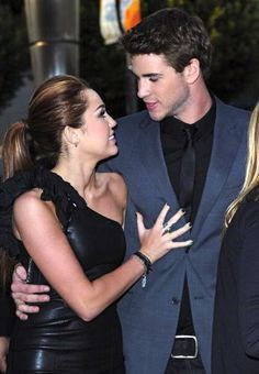 Miley Cyrus and Liam Hemsworth look so young in this pic #Adorable
