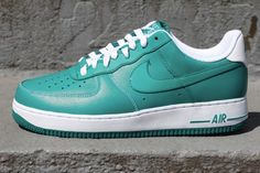 these are some crisp airforces #NIKE #AIRFORCES