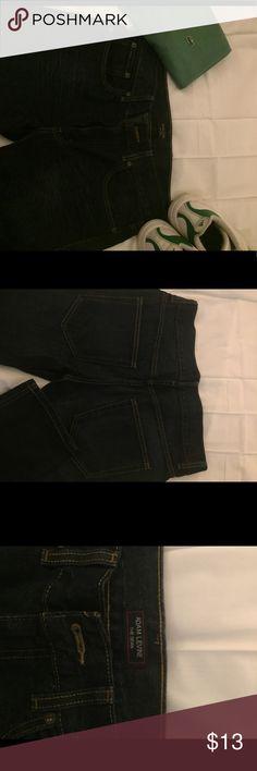 "Adam Levine ""The Dean"" Jeans - Slim 34x30 Adam Levine ""The Dean"" Jeans - Slim 34x30 dark indigo (Used) *note, shirt/shoes not for sale Adam Levine Collection Jeans Slim Straight"