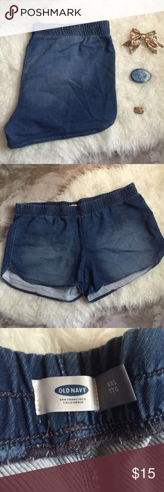 Chambray shorts Medium to dark rinse chambray look shorts by Old Navy. Have a comfortable elastic waistband. No pockets. Curved hem. Super comfy and soft! Perfect for regular or maternity wear! Gently used with no flaws. Old Navy Shorts