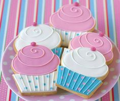 Cupcakes or cookies?? Who cares!