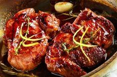 Χοιρινή μπριζόλα λαιμού με δενδρολίβανο, λεμόνι, ξίδι μπαλσάμικο και μέλι Meat Love, Greek Cooking, Greek Recipes, Pork Chops, Tandoori Chicken, Baked Potato, Lamb, Steak, Food And Drink