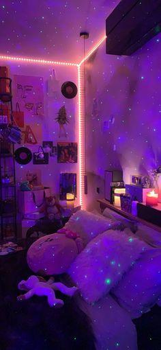 Indie Room Decor, Cute Bedroom Decor, Room Design Bedroom, Teen Room Decor, Room Ideas Bedroom, Bedroom Inspo, Pinterest Room Decor, Neon Bedroom, Chill Room