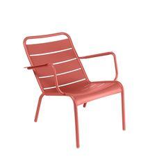 Na een lange dag loop jij linea recta door naar de tuin, om op jouw Fermob Luxembourg fauteuil plaats te nemen. Lekker loungen in de zon! Doordat aluminium weerbestendig is, hoef je hem niet naar binnen te halen en staat hij dus 24/7 voor je klaar!