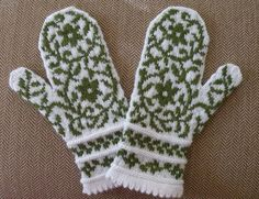 Ravelry: maxinedaley's Bird in Hand Mittens