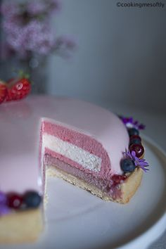 Bella in rosa · Cooking me softly Creative Desserts, Fancy Desserts, Delicious Desserts, Dessert Recipes, Homemade Oreos, Naked Cakes, Modern Cakes, Berry Cake, Mousse Cake