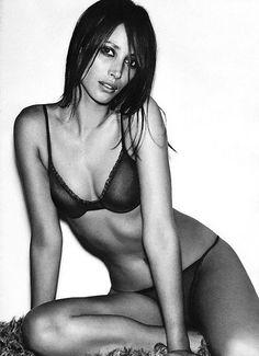 Christy Turlington in Calvin Klein Underwear Spring 2000 campaign #throwback @Calvin Klein @Calvin Klein