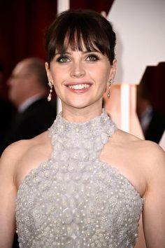 O passo a passo da maquiagem de Felicity Jones, de A Teoria de Tudo, no Oscar