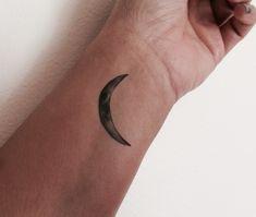 3 Crescent Moon Temporary Tattoo / Fake Tattoos / Set of 3 / Moon Tattoo