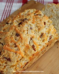 cheddar Beer Bread Bacon Cheddar Beer Bread-The addition of Bacon and Cheddar to this bread takes it over the top!Bacon Cheddar Beer Bread-The addition of Bacon and Cheddar to this bread takes it over the top! Bread Bun, Bread Rolls, Muffins, Bread Recipes, Cooking Recipes, Pan Relleno, Sweet Bread, Bagels, Crackers
