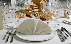 Add a touch of class to your next dinner party with the help of these simple napkin-folding videos.