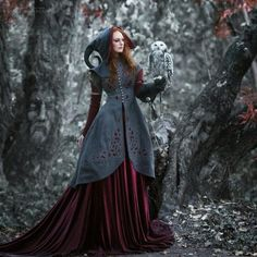 Top Gothic Fashion Tips To Keep You In Style. As trends change, and you age, be willing to alter your style so that you can always look your best. Consistently using good gothic fashion sense can help Moda Steampunk, Steampunk Fashion, Gothic Fashion, Steampunk Hat, Fairytale Fashion, Victorian Steampunk, Steampunk Costume, Steampunk Accessoires, Gothic Mode