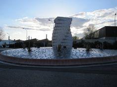 Antigua rotonda de los bloques empaquetados, en la Avenida del Ferrocarril (Getafe)