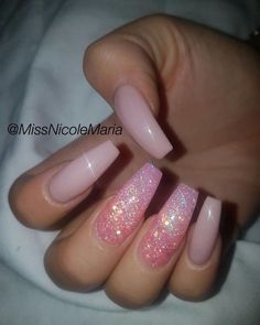 Try some of these designs and give your nails a quick makeover, gallery of unique nail art designs for any season. The best images and creative ideas for your nails. Aycrlic Nails, Pink Nails, Hair And Nails, Pink Sparkle Nails, Best Acrylic Nails, Acrylic Nail Designs, Coffin Nail Designs, Pink Nail Designs, Acrylic Nail Art