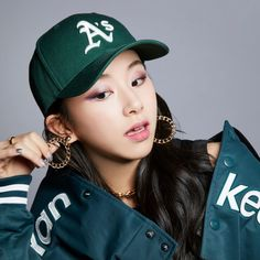 MLB 2018 SPRING X TWICE COLLECTION : #TWICE #CHAEYOUNG