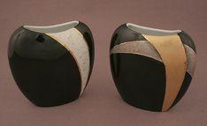 Simona-Marina Braathen Porcelain Ceramics, Ceramic Art, China Painting, Glass Bottles, Meli Melo, Tile Ideas, Beautiful, Vases, Everything