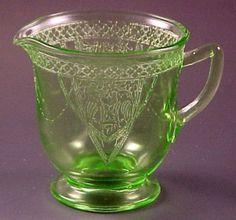 "Georgian or ""Lovebirds"" green creamer made by Federal Glass Co. Fenton Glassware, Antique Glassware, Antique Bottles, Vintage Bottles, Vintage Perfume, Antique Dishes, Vintage Dishes, Cut Glass, Glass Art"