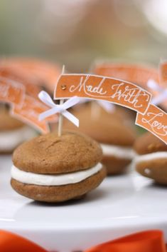 EAT DRINK PRETTY: Pumpkin whoopie pies