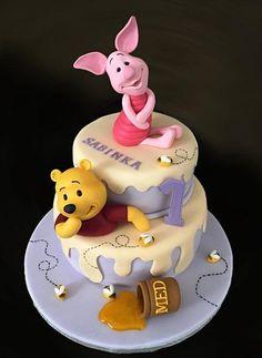 Winnie The Pooh - Cake by Romana Bajerová