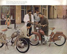 Simson SR 2 Werbeprospekte East German Car, Vespa Motorcycle, 50cc Moped, Vintage Moped, Beast From The East, East Germany, Old Bikes, Classic Bikes, Car Humor