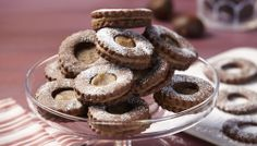 Chocolate Cookies with Chestnut Cream: Treatology by Wilton