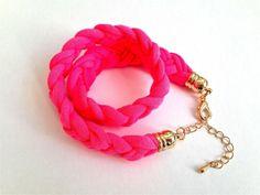 Elegantes Stoffarmband in Neon Pink von Johanna Lange Designs - Jewelry auf DaWanda.com