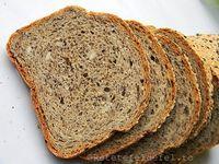 PAINE CU FAINA DE HRISCA SI SEMINTE | Rețete Fel de Fel Cooking Bread, Bread Baking, Sans Gluten, Gluten Free, Vegan Bio, Healthy Recepies, Bread Recipes, Banana Bread, Food To Make