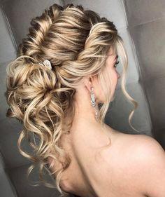 - How to Do a Chignon Bun – Easy Chignon Hair Tutorial - The Trending Hairstyle Easy Chignon, Chignon Hair, Bridal Hair Updo, Messy Updo, Easy Updo Hairstyles, Bride Hairstyles, Summer Hairstyles, Updos, Straight Hairstyles
