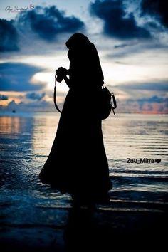 Muslim Girls Photos, Muslim Pictures, Muslim Images, Islamic Pictures, Hijab Niqab, Mode Hijab, Islamic Girl Pic, Hijab Hipster, Cute Tumblr Wallpaper
