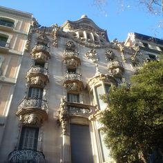 Barcelona Spain, Big Ben, Mansions, House Styles, Building, Decor, Buildings, Luxury Houses, Decorating
