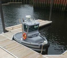 Tiny Boat, Cool Boats, Small Boats, Tug Boats, Boat Design, Yacht Design, United States Navy, Navy Ships, Submarines