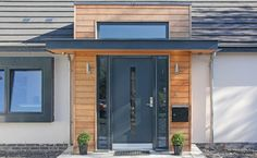 This particular single entry doors is undeniably a remarkable design principle. Front Door Porch, Porch Doors, Front Porch Design, Entry Doors, Windows And Doors, Porch Oak, Front Doors, Modern Front Porches, Modern Front Door