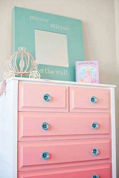 Beste Babyzimmer Themen Disney Prinzessin Schlafzimmer Ideen You are in the right place about baby room decor country Here we offer you the most … Girl Nursery, Girls Bedroom, Bedroom Decor, Baby Bedroom, Master Bedroom, Nursery Ideas, Bedroom Furniture, Baby Furniture, Trendy Bedroom