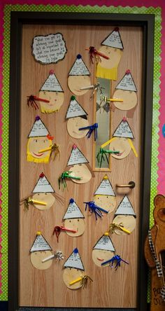 Students write their New Year goal in party hat! This idea is SO cute, and is a GREAT idea for a classroom display!! {picture only- dead pin}