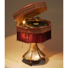 "LA"" Phonolamp, 1919 Extraordinary collector's item and exhibition piece by ""Burns-Pollock, Electrical M. Radio Record Player, Record Players, Industrial Design, Four Square, Art Nouveau, Decorative Lamps, Table Lamp, Steam Punk, Antiques"