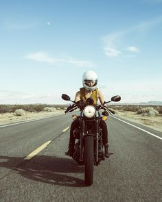 Real Motorcycle Women - womensmotoexhibit (2)