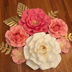 Paper Flower Decor, Flower Pot Crafts, Crepe Paper Flowers, Diy Flowers, Flower Ideas, Wedding Flowers, Diy Paper, Paper Crafts, Diy Crafts