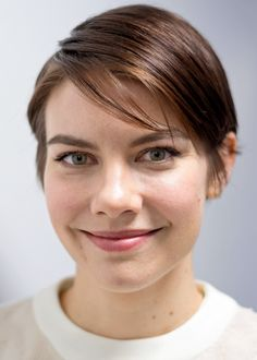 Double tap for Lauren Cohan by the_walking_dead_fanpage_love Pretty Hairstyles, Bob Hairstyles, Lauren Cohen, Maggie Greene, Belleza Natural, Daryl Dixon, Celebs, Celebrities, Pixie Haircut