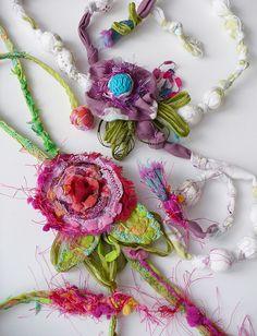 Bijoux Textile,  Elena Fiore.  www.elenafiore.it.