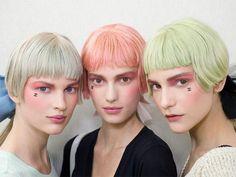 Trend Chanel kapsels 2013-2014 --> wiha! ik blijk een trendsetter te zijn :-) het kapsel heb ik al, het pastelkleurtje laat ik voor wat het is... laat mij maar een rode furie zijn ;-)